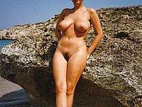 Bilder nackt strand frauen reife am Unbelievable reife