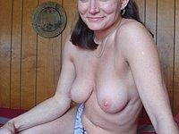 Geile Ehefrau privat nackt