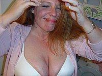 Versautes Amateurluder nackt und beim Blasen