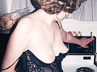 Reifes Luder privat nackt vom Ehemann fotografiert