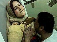 Geile Araberin mit dicken Titten wird gefickt